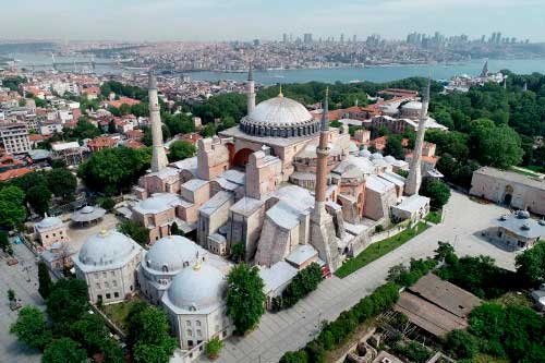 圣索菲亚将作为清真寺重新开放使用