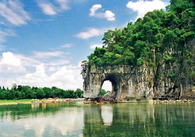 中国著名景区:桂林象鼻山
