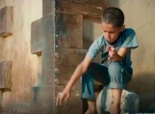 视频|获埃及卢克索电影奖的4分钟电影《一双鞋》