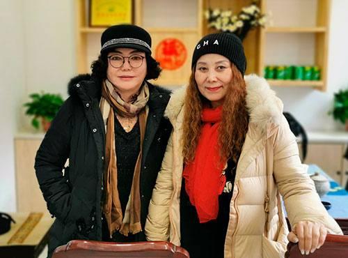 中国清真餐饮界两个美女